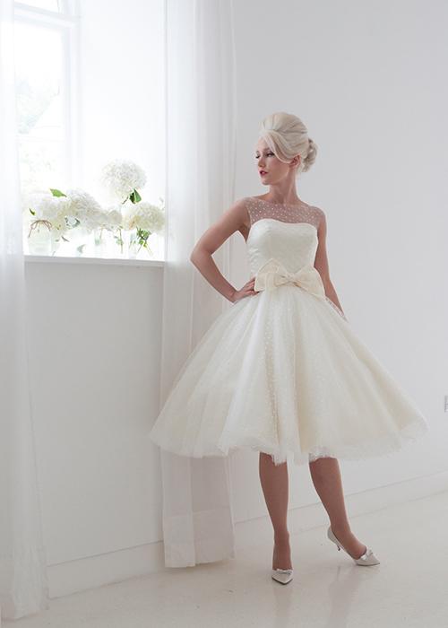 spot tulle sleeveless bridal gown